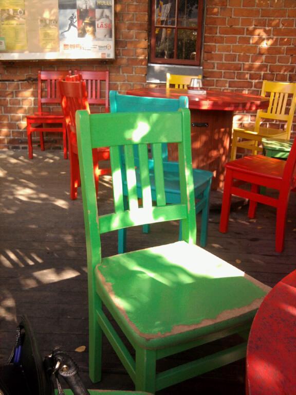värikkäät_tuolit